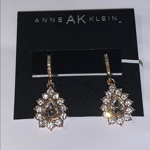 NWT Anne Klein Gold Tone Crystal Earrings